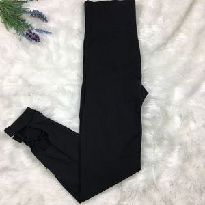 Victoria Secret Pink Ultimate Med Black Leggings